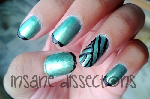 Green stripes nail art-2