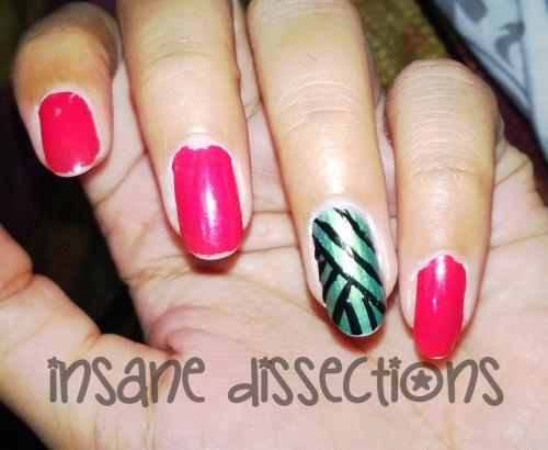 Green accent nail art-5