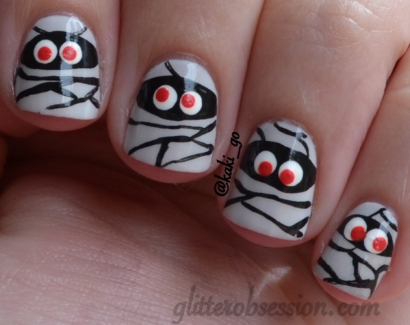 halloween nail art mummy