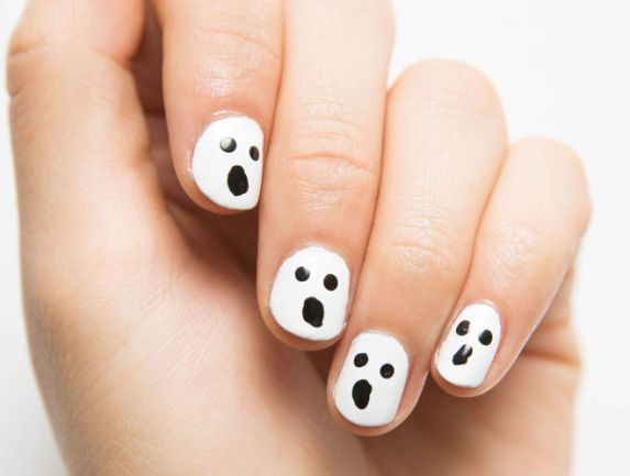 nrm_1414445550-cosmo-social-ghoul-mani-how-to