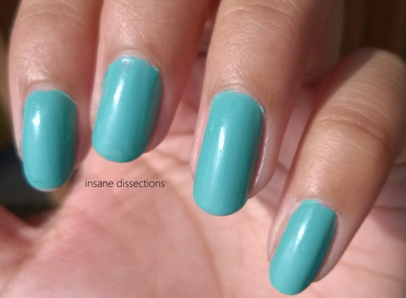 maybelline express finish turquoise lagoon swatch