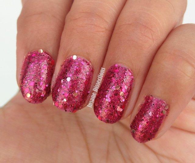 pink-glitter-nailpolish