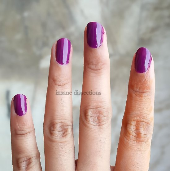 loreal-nailpolish-violet-vendome